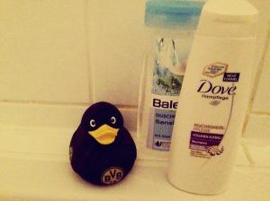 Shampoo. Duschgel. Die BVB-Ente.